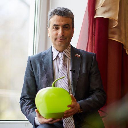 «Большинство наших кандидатов – это беспартийные сторонники «Яблока» и благоустройства местной жизни» – Лев Шлосберг